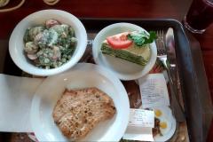 Puzata hata 2: tavaszi saláta, sült hús, rakott palacsinta
